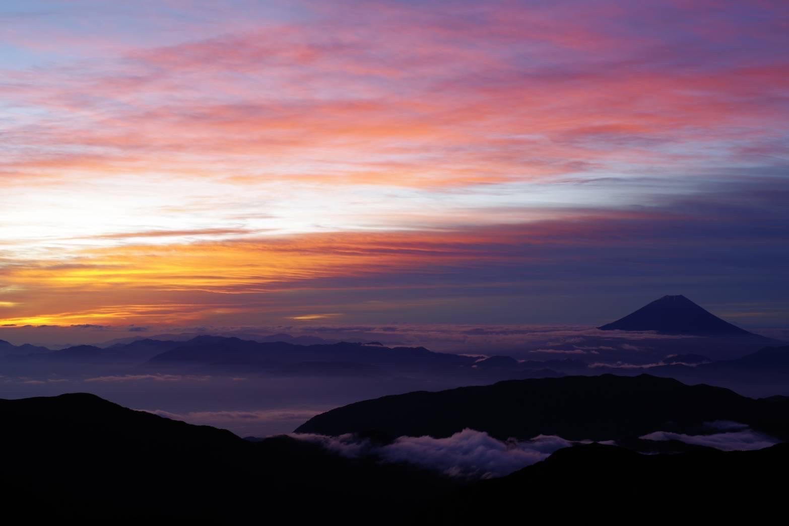 【北岳山荘からの眺望・2】